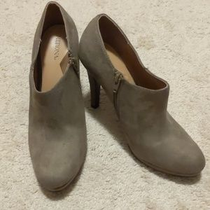 Ladies High Heeled Booties Size 9 1/2